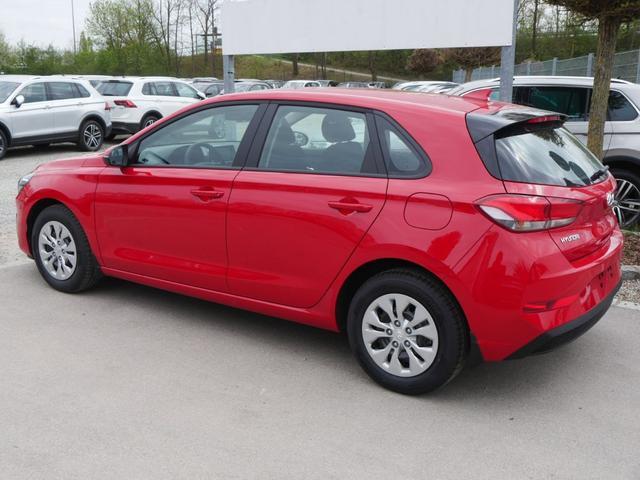 Hyundai i30 - 1.0 T-GDi DCT PURE * FRESH TECH PACK RÜCKFAHRKAMERA SITZHEIZUNG TEMPOMAT KLIMA