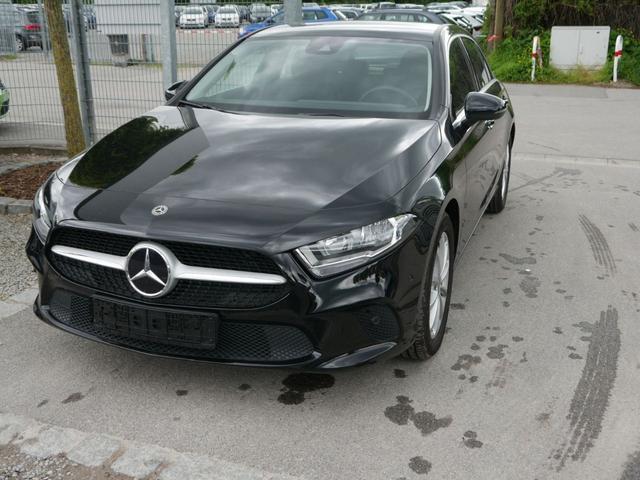 Gebrauchtfahrzeug Mercedes-Benz A-Klasse - A 200 7G-DCT PROGRESSIVE   BUSINESSPAKET PARK- & NAVIGATION-PREMIUM-PAKET SITZHEIZUNG