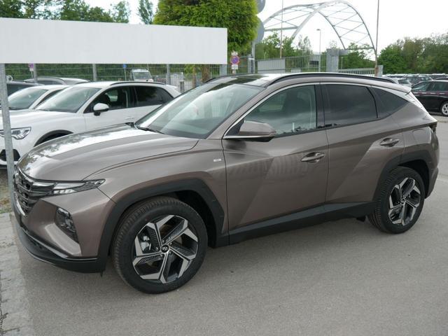 Hyundai Tucson - 1.6 T-GDI 48V-Hybrid DCT HTRAC PRIME * PANORAMA LEDER ASSISTENZ-PAKET LED 19 ZOLL NAVI SHZG VORN & HINTEN