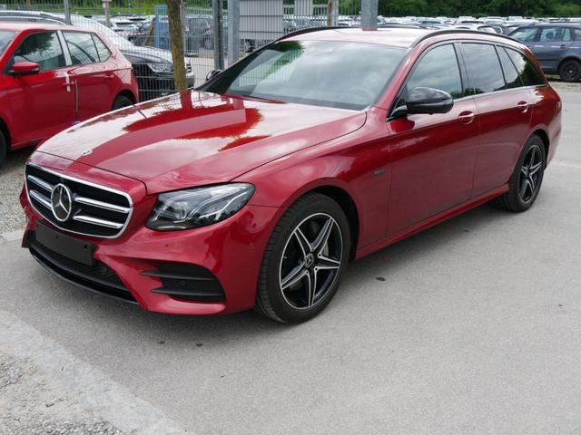 Mercedes-Benz E-Klasse - E 300 de T 9G-TRONIC * EXCLUSIVE INTERIEUR AMG LINE EXTERIEUR BUSINESS-& FAHRASSISTENZPAKET MULTIBEAM-LED AHK