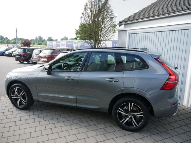 Volvo XC60 - Recharge Plug-in Hybrid T6 AWD GEARTRONIC R DESIGN * STANDHEIZUNG PANORAMA LED NAVI 19 ZOLL
