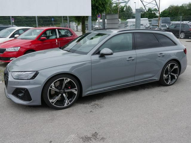 Audi RS4 Avant - 2.9 TFSI QUATTRO * TIPTRONIC RS-DYNAMIKPAKET ASSISTENZPAKET TOUR-& STADT 20 ZOLL LEDER 450PS PANORAMA HEAD-UP-DISPLAY