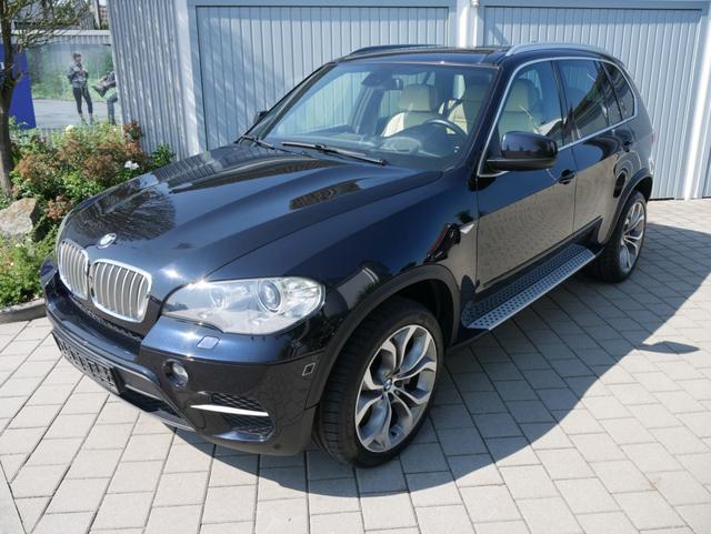 Gebrauchtfahrzeug BMW X5 - xDrive50i   INNOVATION & SPORT-PAKET 20 ZOLL NAVI XENON HEAD-UP DIPLAY PANORAMA-DACH