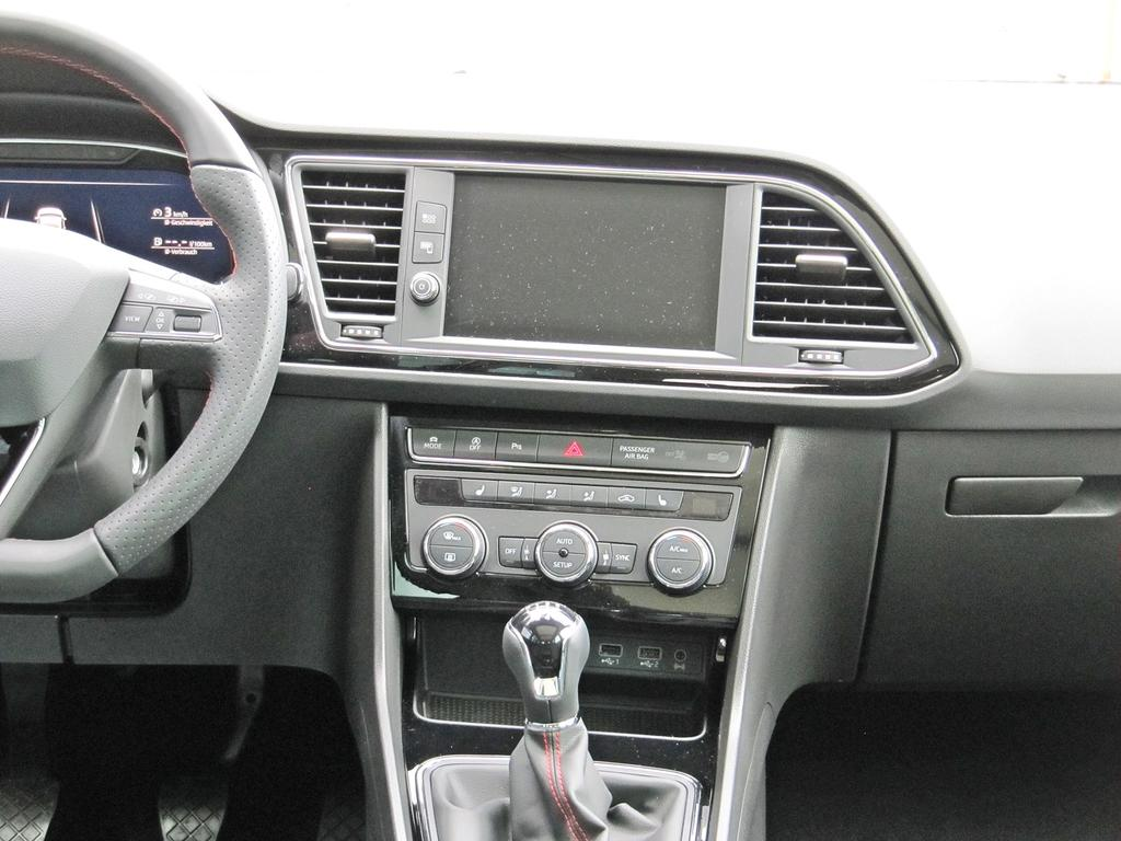 seat leon st fr 1 5tsi panoramadach voll led navigation. Black Bedroom Furniture Sets. Home Design Ideas