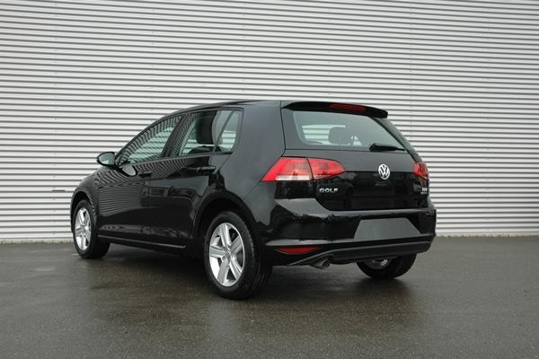 volkswagen golf comfortline 1 5 tsi klimaautomatik pdc. Black Bedroom Furniture Sets. Home Design Ideas