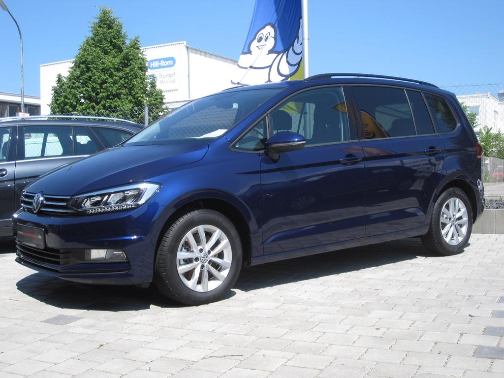 volkswagen touran comfortline 1 4 tsi 110kw 150 ps automatik dsg neuwagen reimport g nstig. Black Bedroom Furniture Sets. Home Design Ideas