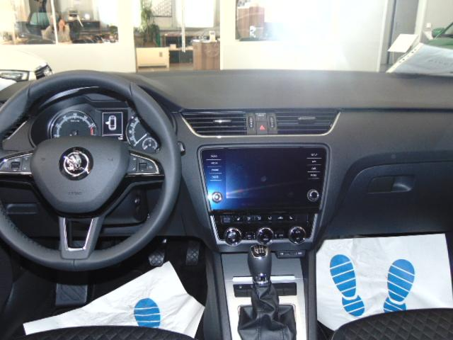 skoda octavia combi style 1 0 tsi 115 ps 5 j garantie climatronic pdc 17 alu 8 bolero. Black Bedroom Furniture Sets. Home Design Ideas