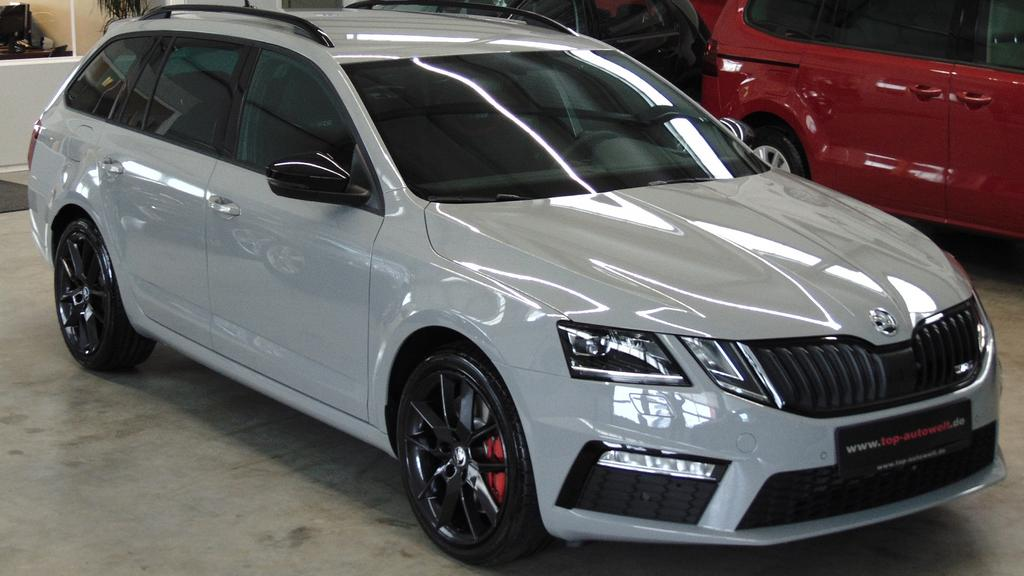 skoda octavia rs combi 2 0 tsi 245 ps led licht. Black Bedroom Furniture Sets. Home Design Ideas