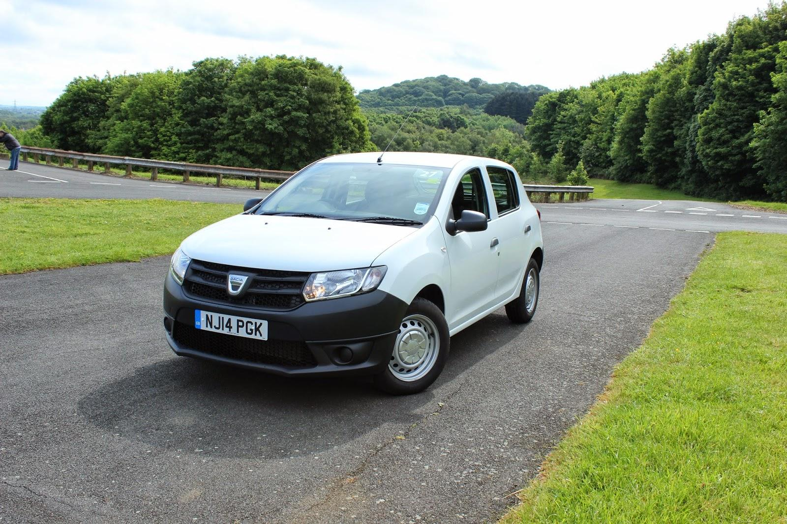 dacia sandero access 1 0 73 ps abs esp isofix. Black Bedroom Furniture Sets. Home Design Ideas