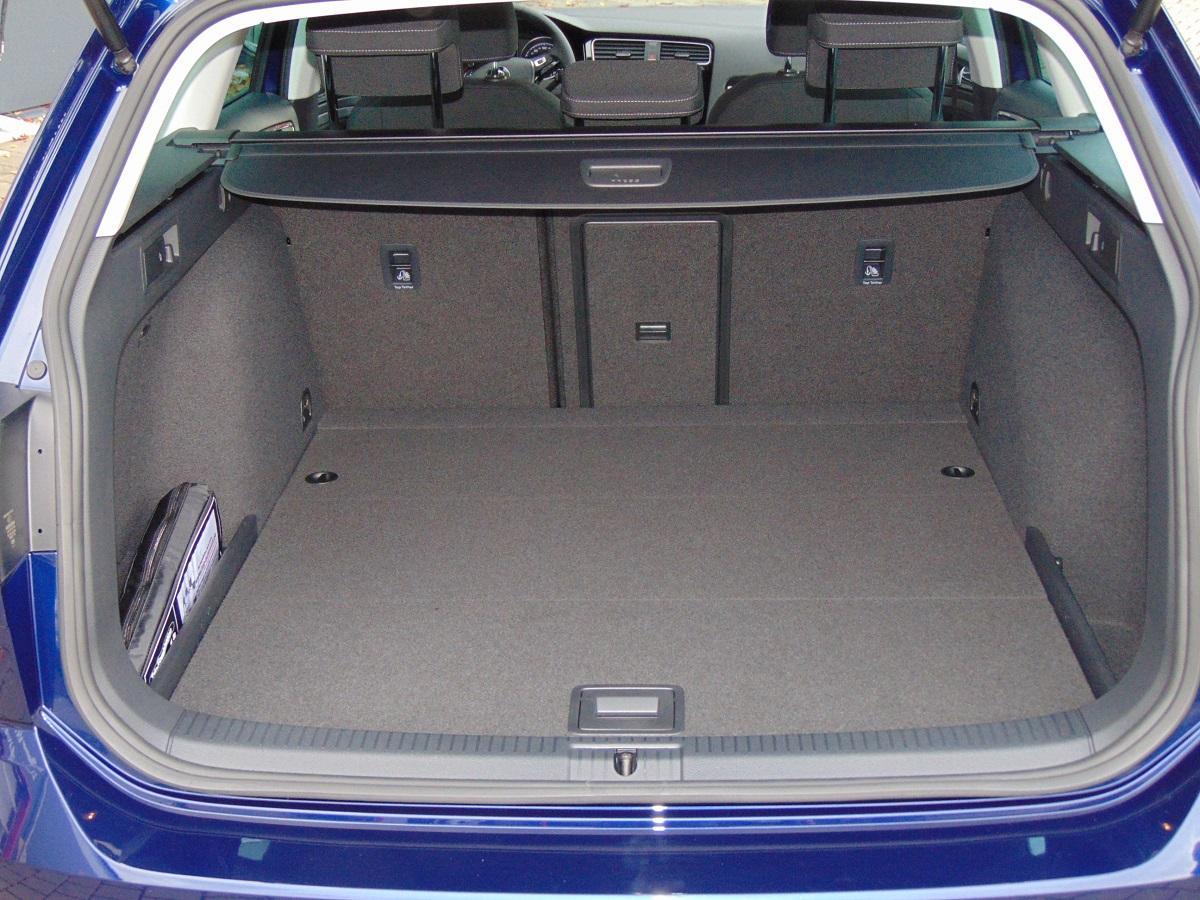 Volkswagen Golf Variant Highline 1 5 TSI 150 PS LED Licht Klimaauto