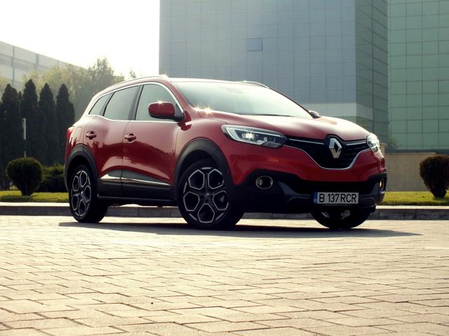 renault kadjar bose edition tce 165 navi led licht klimaautomatik parksensoren bluetooth 19 alu. Black Bedroom Furniture Sets. Home Design Ideas