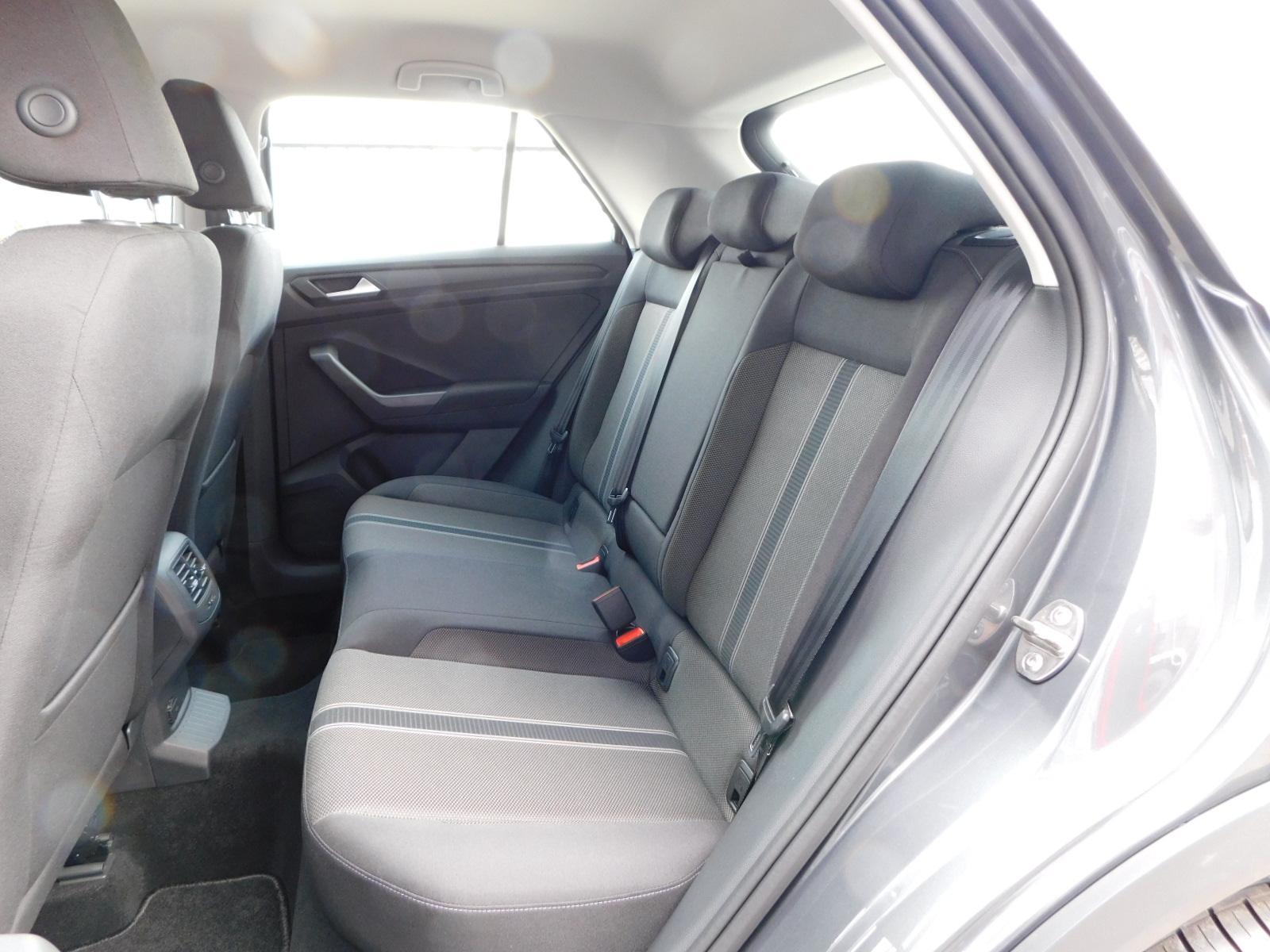 volkswagen t roc basis 1 0 tsi 115 ps euro6 wltp klima lane assist front assist bluetooth 6 5. Black Bedroom Furniture Sets. Home Design Ideas