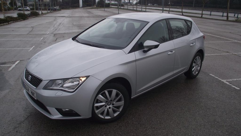 seat leon reference euro6 wltp 1 0 tsi 86 ps klima radio. Black Bedroom Furniture Sets. Home Design Ideas