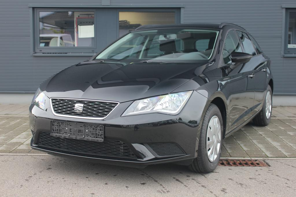 seat leon st reference 1 2 tsi 110 ps klima radio zv abs esp 7 x airbag reimport neuwagen frei. Black Bedroom Furniture Sets. Home Design Ideas