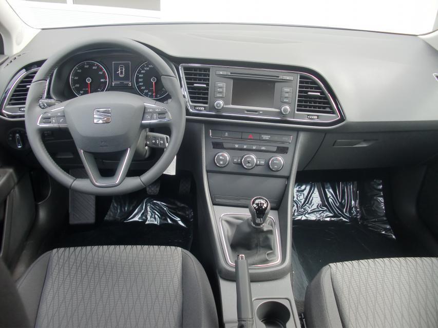 seat leon st style 1 2 tsi klimaautom mfl bluetooth tempomat 16 alu zv abs esp 7 x airbag. Black Bedroom Furniture Sets. Home Design Ideas