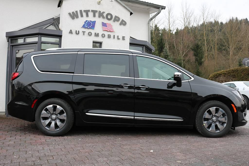 chrysler pacifica hybrid limited 67g co2 km soundpaket panorama 18 zoll alu us import. Black Bedroom Furniture Sets. Home Design Ideas