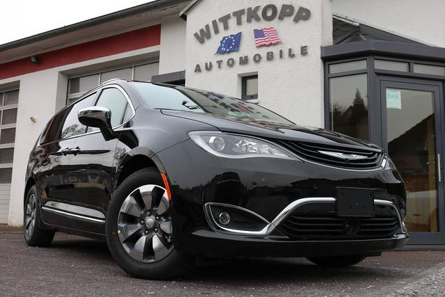Chrysler Pacifica - Hybrid Limited 67g CO2/km