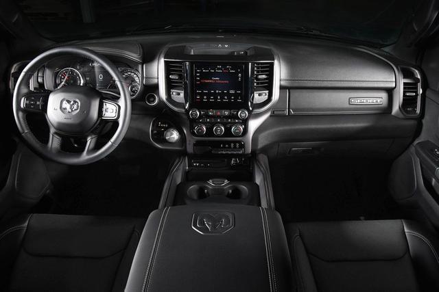 Dodge Ram 1500 Crew Cab (DT) Sport