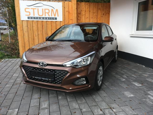 Hyundai i20 - 1.2 EURO6d-Temp Panoramadach PDC Klima Bluetooth Alu Privacy Safty