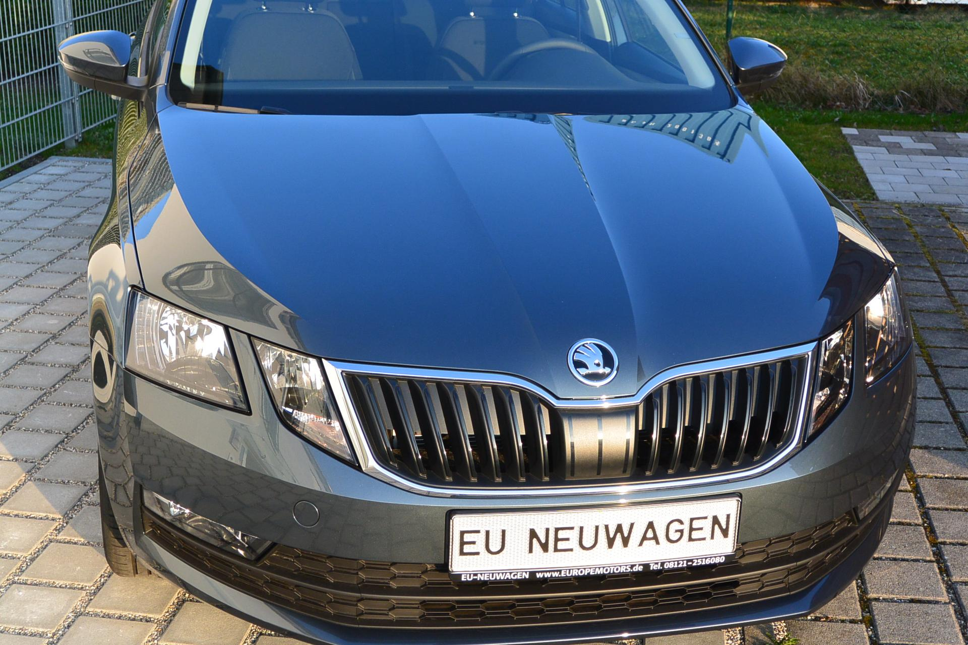 skoda octavia combi exe navi 1 0 tsi dsg 85 kw 115 ps 7 gang automatik kurzfristig verf gbar top. Black Bedroom Furniture Sets. Home Design Ideas