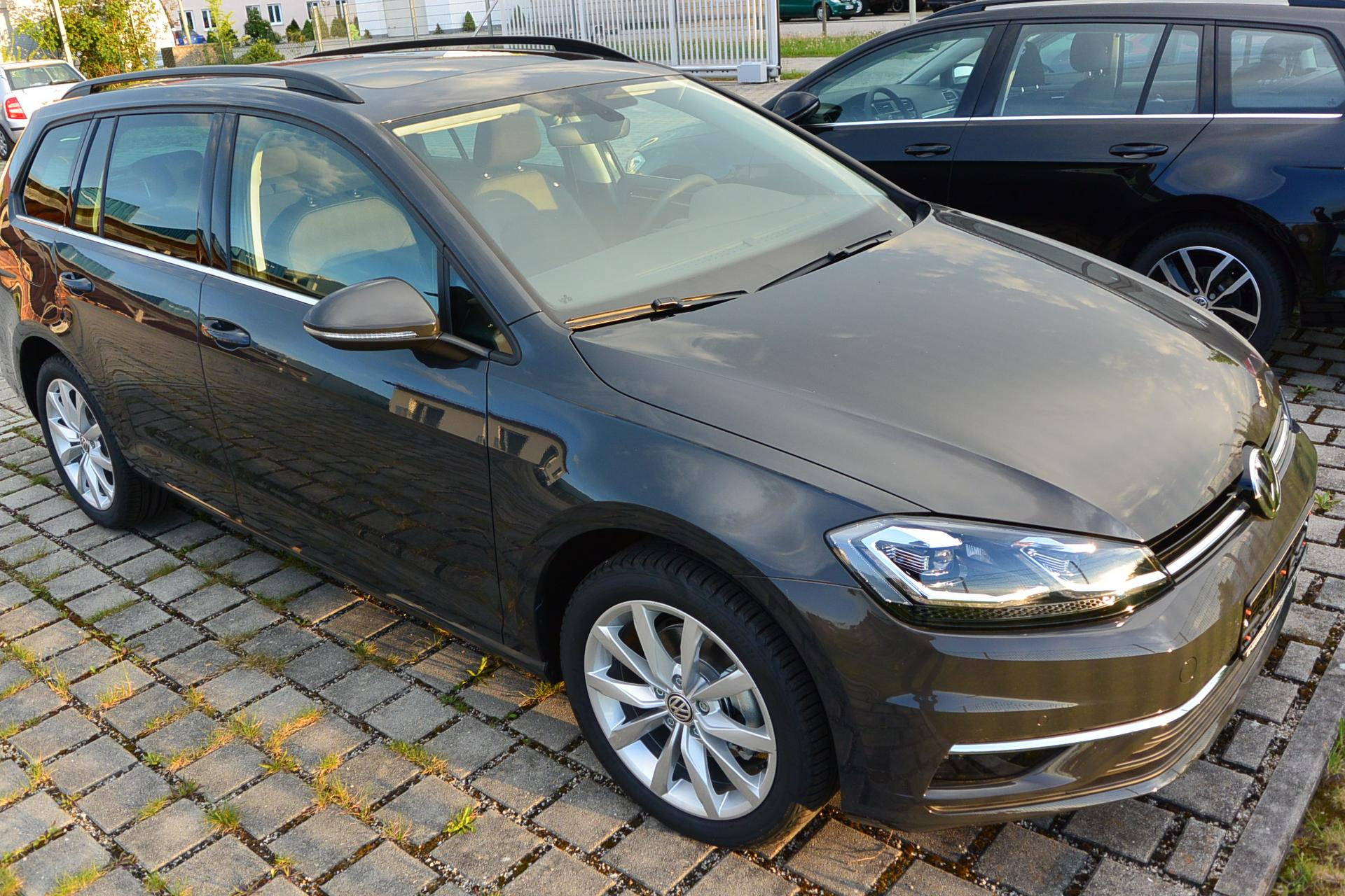 volkswagen golf variant comfortline 1 0 tsi opf dsg 85 kw. Black Bedroom Furniture Sets. Home Design Ideas