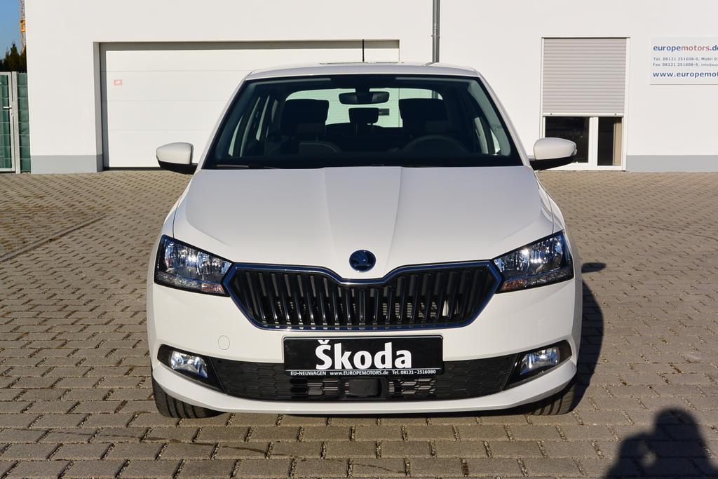 Skoda Fabia Style Facelift Reimport EU-Neuwagen - Günstig mit Rabatt kaufen!