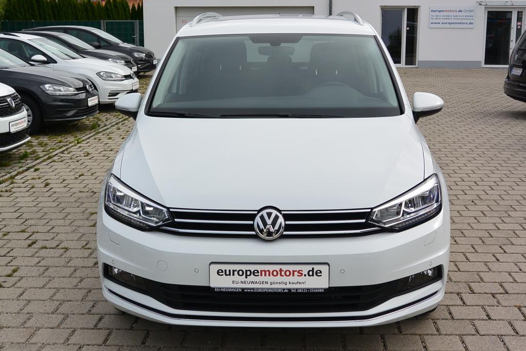 Reimport EU-Neuwagen VW Touran in der Nähe von München günstig kaufen! Wo? Bei europemotors.de!
