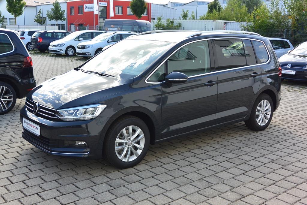 VW Touran Reimport Neuwagen bei europemotors.de in der Nähe von München günstig kaufen!