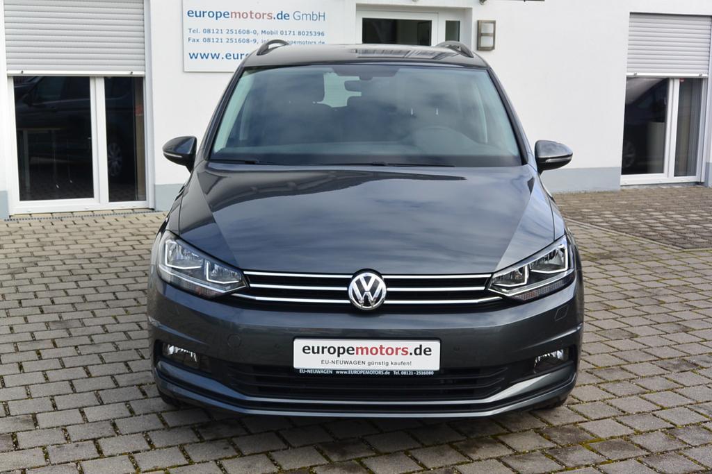 VW Touran Reimport EU-Neuwagen günstig kaufen bei europemotors in Neufinsing bei München