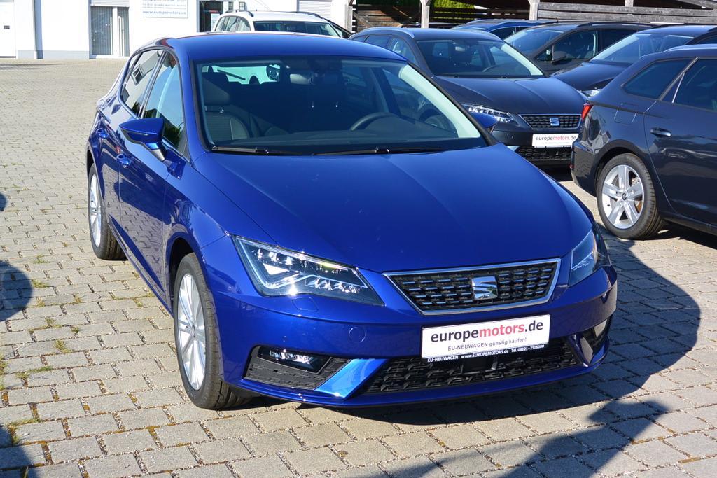 Seat Leon 1.5 TSI XCELLENCE Mystery Blau Metallic Reimport EU-Neuwagen mit hohem Rabatt günstig kaufen! Sofort verfügbares Lagerfahrzeug.