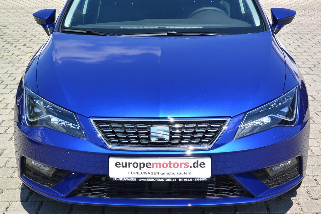 EU-Reimport Seat Leon 1.5 TSI XCELLENCE Mystery Blau Metallic bei europemotors.de GmbH in Neufinsing bei München günstig kaufen