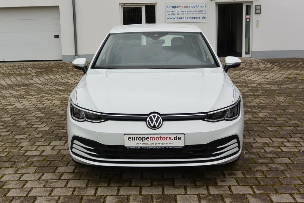 VW Golf 8 Life Reimport EU-Neuwagen günstig kaufen! europemotors.de GmbH in Neufinsing zwischen München und Erding