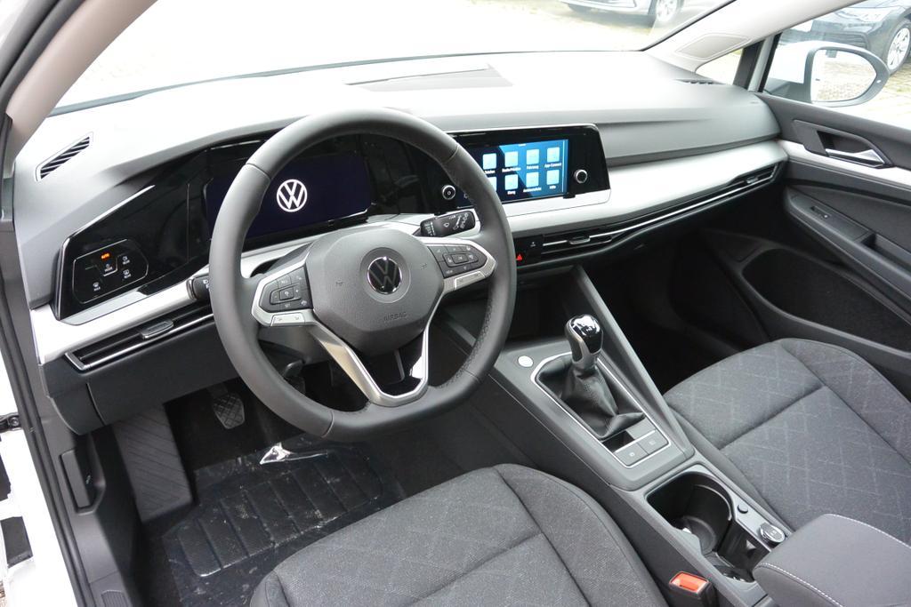 VW Golf 8 Life Reimport EU-Neuwagen günstig kaufen! europemotors.de GmbH in Neufinsing bei München nahe Erding