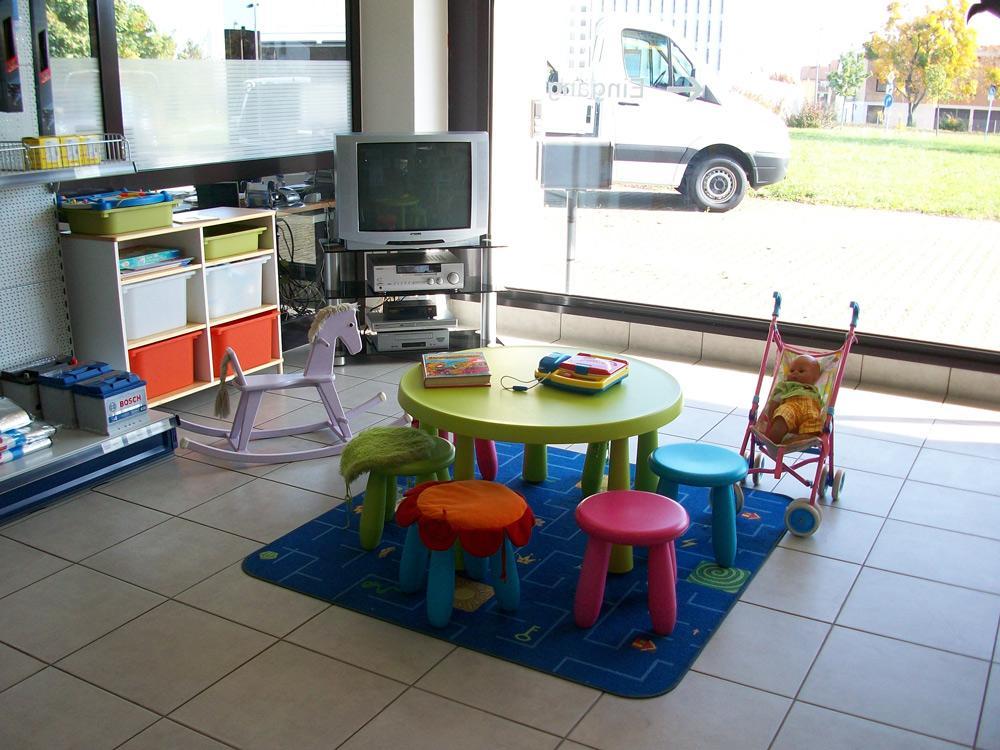 service mehrmarkencenter autohaus stieber aus stuttgart werkstatt. Black Bedroom Furniture Sets. Home Design Ideas
