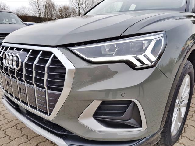 Audi Q3    advanced - LED/NAVI/18