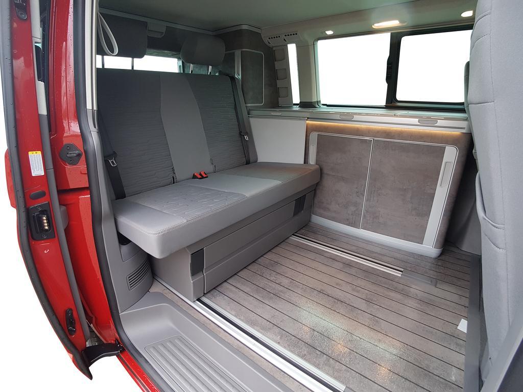 Volkswagen California 1777.177 Ocean Edition T1777.177 - Küche, el. Dach, LED,  Klimaaut., SHZ, Alu Neuwagen mit Rabatt - EU-Reimporte günstig