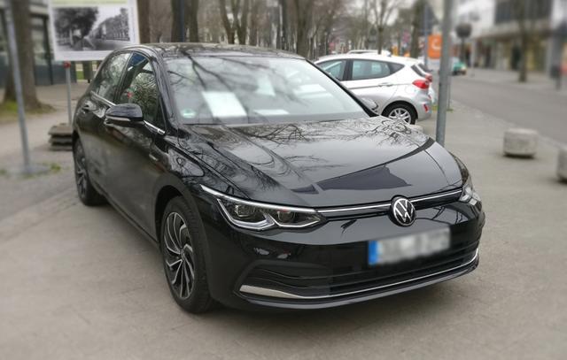 Volkswagen Golf - Life Navi Winterpaket DAB  Bestellfahrzeug