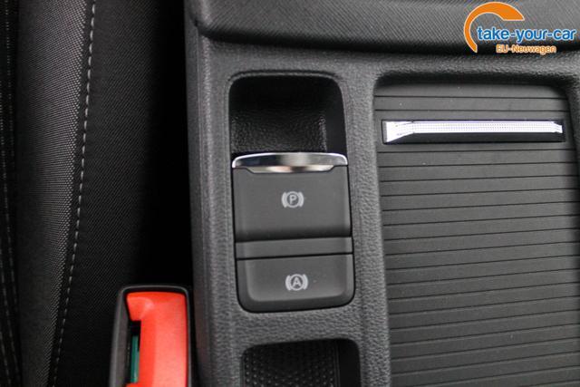 Skoda Octavia Combi NEU AMBITION PLUS ACC SHZ LED PDC v+h SMART LINK