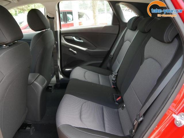Hyundai i30 1.0 T-GDi DCT PURE * FRESH PLUS PACK PARKTRONIC SITZ-& LENKRADHEIZUNG TEMPOMAT