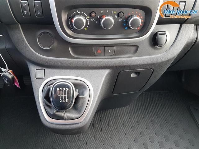 Renault / Trafic /  /  /  /