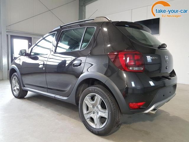 Dacia / Sandero / Schwarz /  /  /