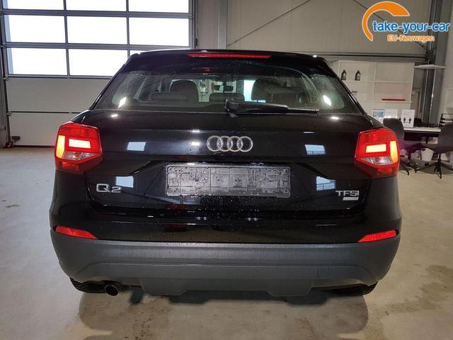 Audi / Q2 / Schwarz /  /  /