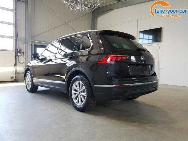 Volkswagen / Tiguan / Schwarz /  /  /