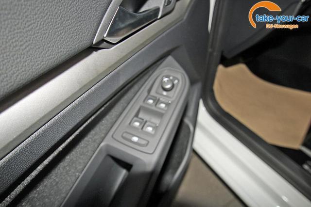 Volkswagen Golf VIII 1.5 eTSI DSG Life, virtual, ACC, Winterpaket