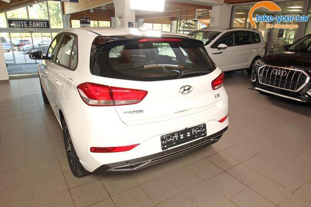 Hyundai i30 1.5 T-GDi DCT Comfort, Kamera, Navi, LED