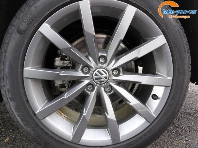Volkswagen Passat Variant Var. 2.0TDi R-Line DSG 4Motion ACC, elek. HK, Matrix, Navi Pano