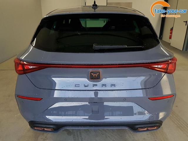Seat / Leon / Grau /  /  / WLTP eHybrid 1.4 Plug-in-HYBRID DSG 180kW / 245PS