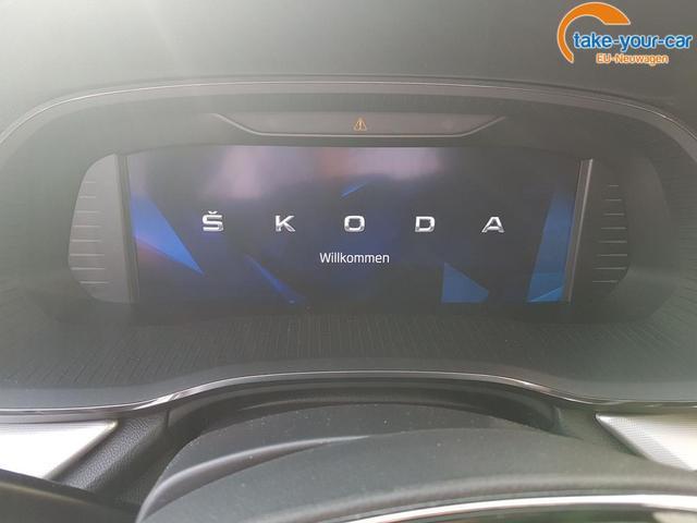 Skoda / Octavia / Schwarz / Style /  /