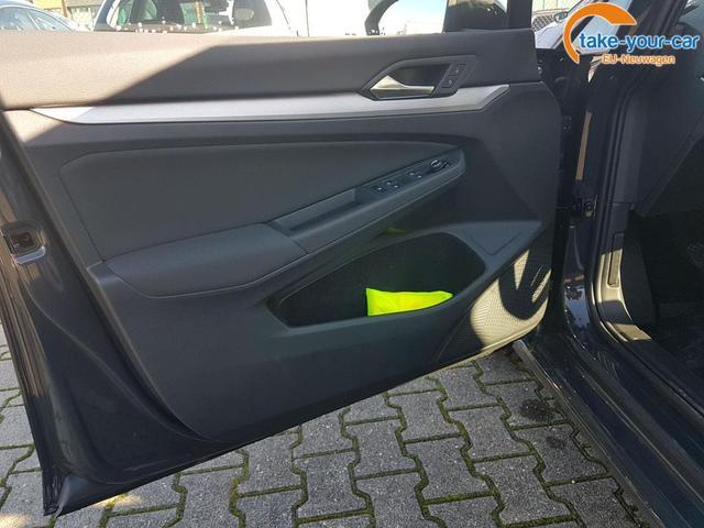 Volkswagen / Golf / Grau / Life /  /