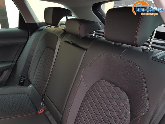 Seat / Leon / Schwarz / FR /  / AHK